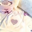 Vrecko na prádlo s fialovým srdiečkom