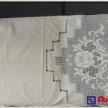 Záclona na dvere - biela s háčkovaným vzorom