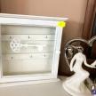Biela skrinka na kľúče 1872 -  750709TRE
