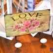 Vešiačik LOVE s ružičkami - 94319ART